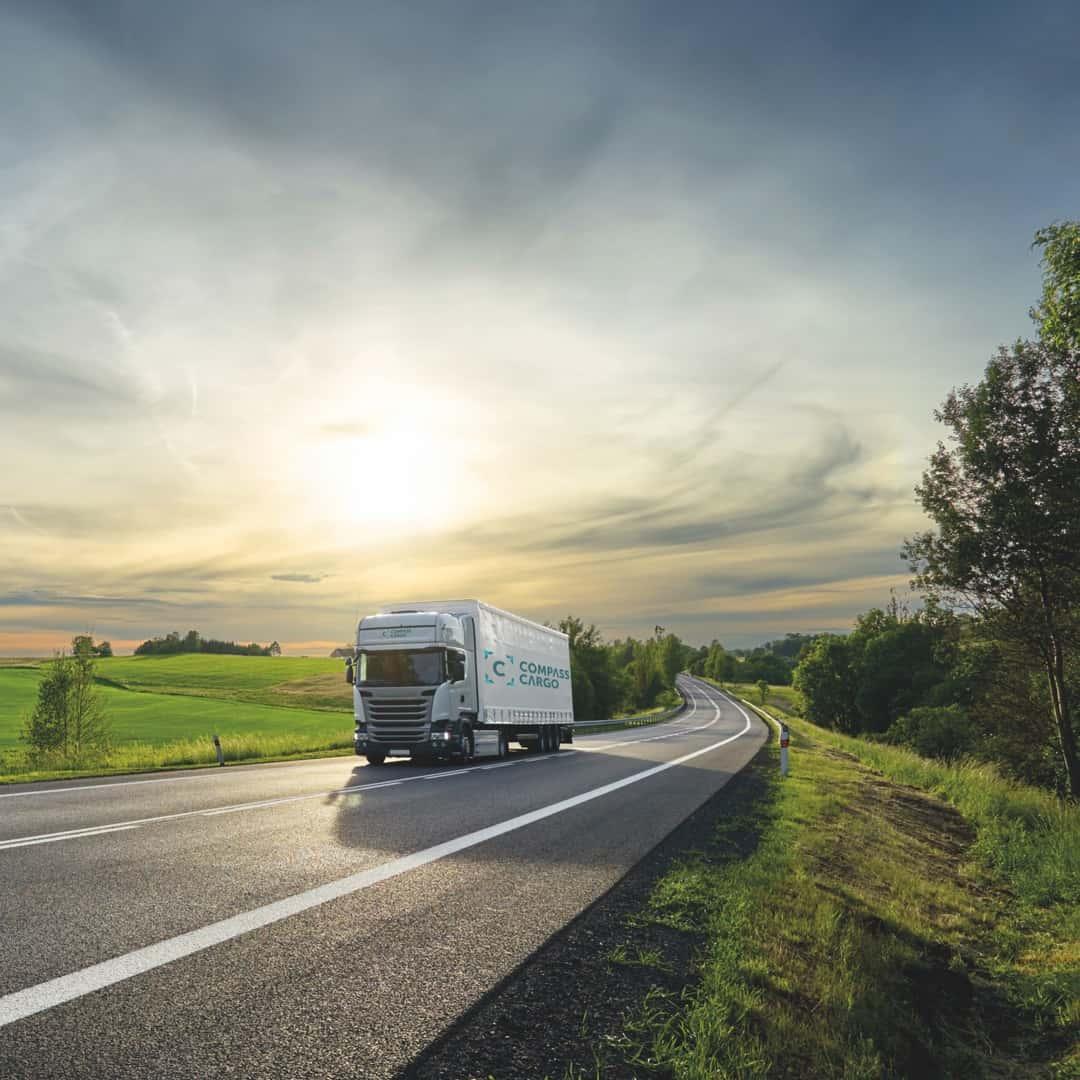 Få alt på plass i tide. Vi gjør transport enkelt og effektivt!